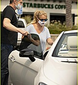 britney-spears-shopping-september-2020-01-2.jpg