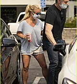 britney-spears-shopping-september-2020-31.jpg