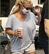 britney-spears-shopping-september-2020-33.jpg